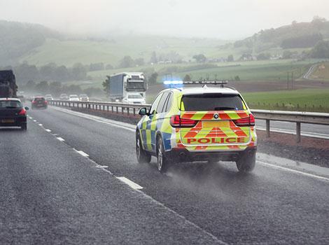 警员:整合的车载解决方案